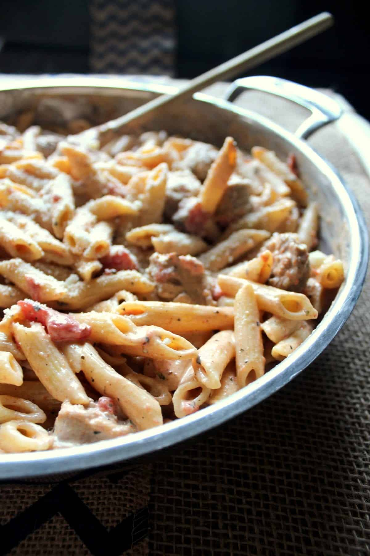 Spicy Cajun Pasta Skillet With Sausage And Tomatoes Blackberry Babe