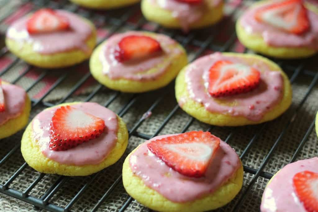 Strawberry Lemonade Cookies 11