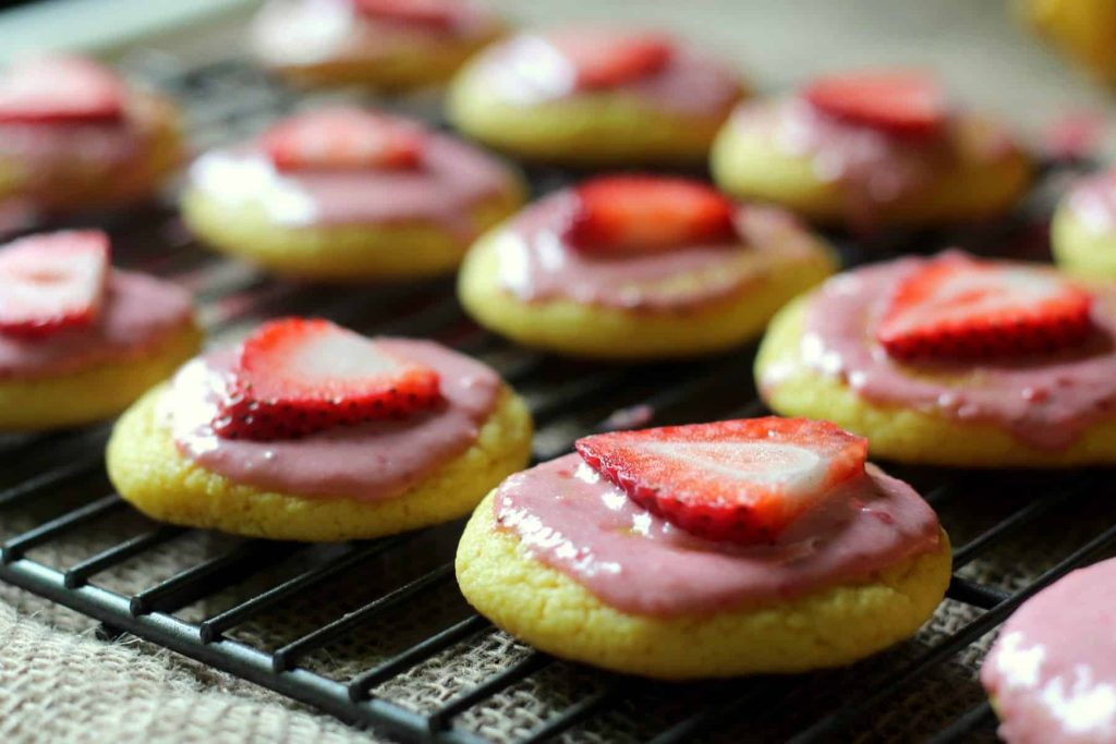 Strawberry Lemonade Cookies 12
