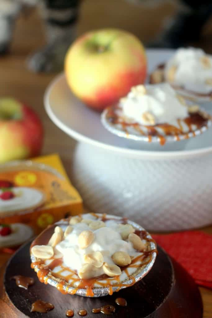 Skinny Caramel Apple Pies for One 3