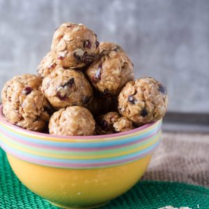 Peanut Butter Energy Balls with Honey