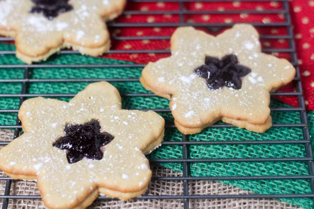 Linzer Cookies with Blackberry Jam