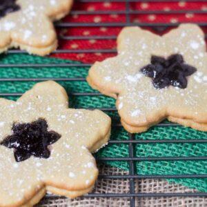 Linzer Cookies with Blackberry Jam