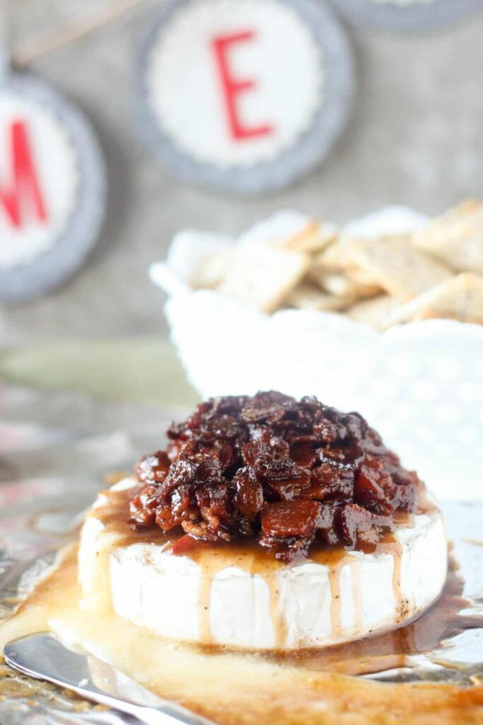Candied Bacon Baked Brie #BaconForSanta