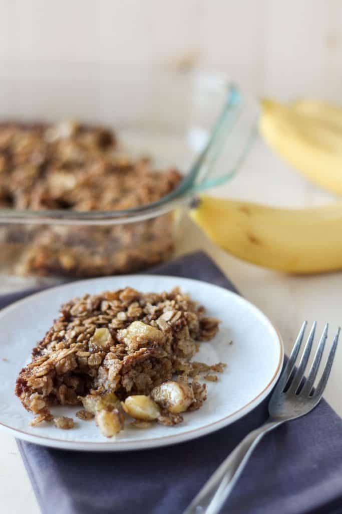 Bananas Foster Baked Oatmeal: Brown sugar, bananas and tons of oats make for a delicious breakfast of brunch for a large group!