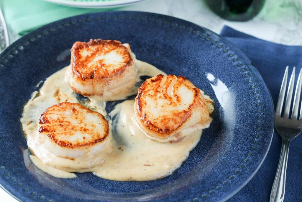 Pan Seared Scallops with Vermouth Cream