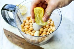 Easy Lemon Hummus Recipe