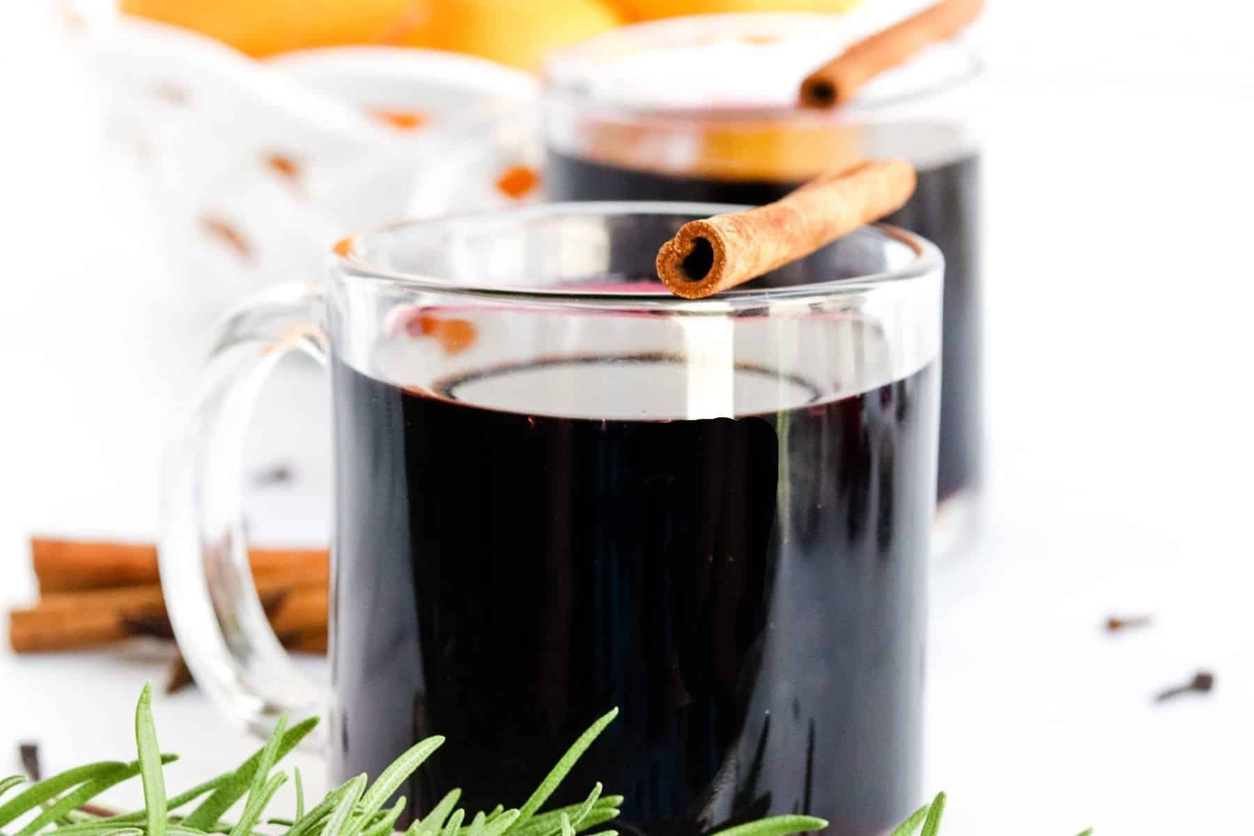 Crockpot Mulled Wine | Slow Cooker Mulled Wine | Easy Mulled Wine | #mulledwine