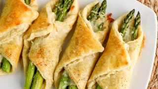 Cheesy Puff Pastry Asparagus